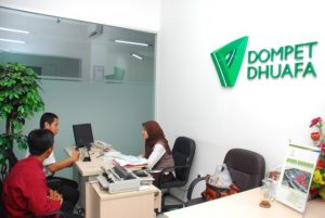 Bayar zakat di Dompet Dhuafa Banten